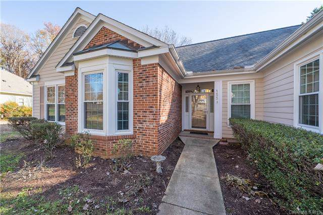 155 Southhaven Drive, Mooresville, NC 28117 (#3573677) :: Roby Realty