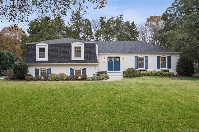 4401 Montibello Drive, Charlotte, NC 28226 (#3573703) :: Besecker Homes Team
