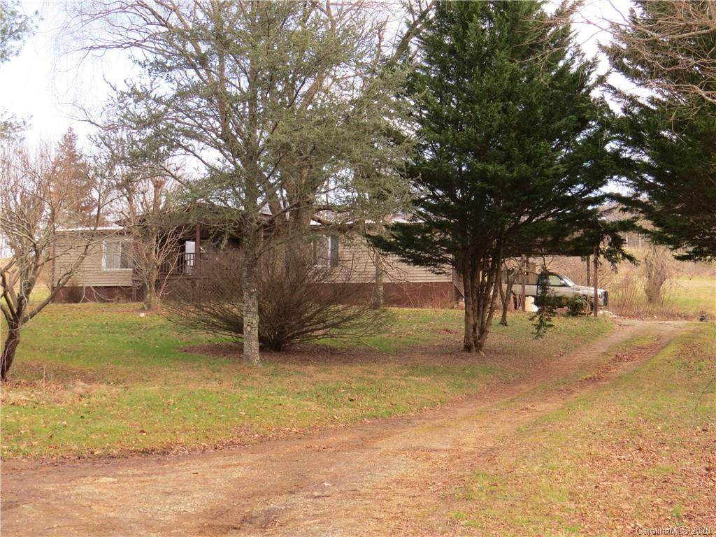 131 Sheriff Anglin Road, Burnsville, NC 28714 (#3573796) :: Miller Realty Group