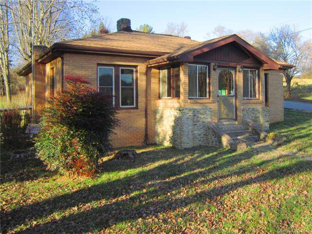 11 Palmer Hill Road, Waynesville, NC 28786 (#3573813) :: Rowena Patton's All-Star Powerhouse