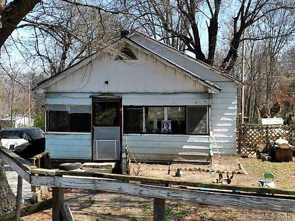 13312 Central Avenue, Huntersville, NC 28078 (#3573842) :: Rinehart Realty