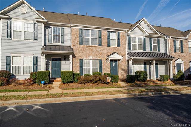 4653 Forestridge Commons Drive, Charlotte, NC 28269 (#3573992) :: The Ramsey Group
