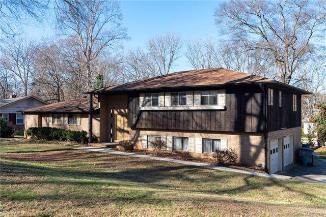 9400 Hickory Creek Road, Charlotte, NC 28214 (#3574058) :: Carlyle Properties