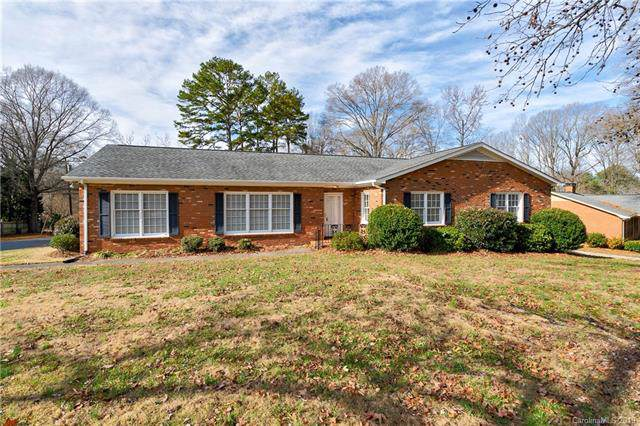 1201 Shady Bluff Drive, Charlotte, NC 28211 (#3574170) :: LePage Johnson Realty Group, LLC