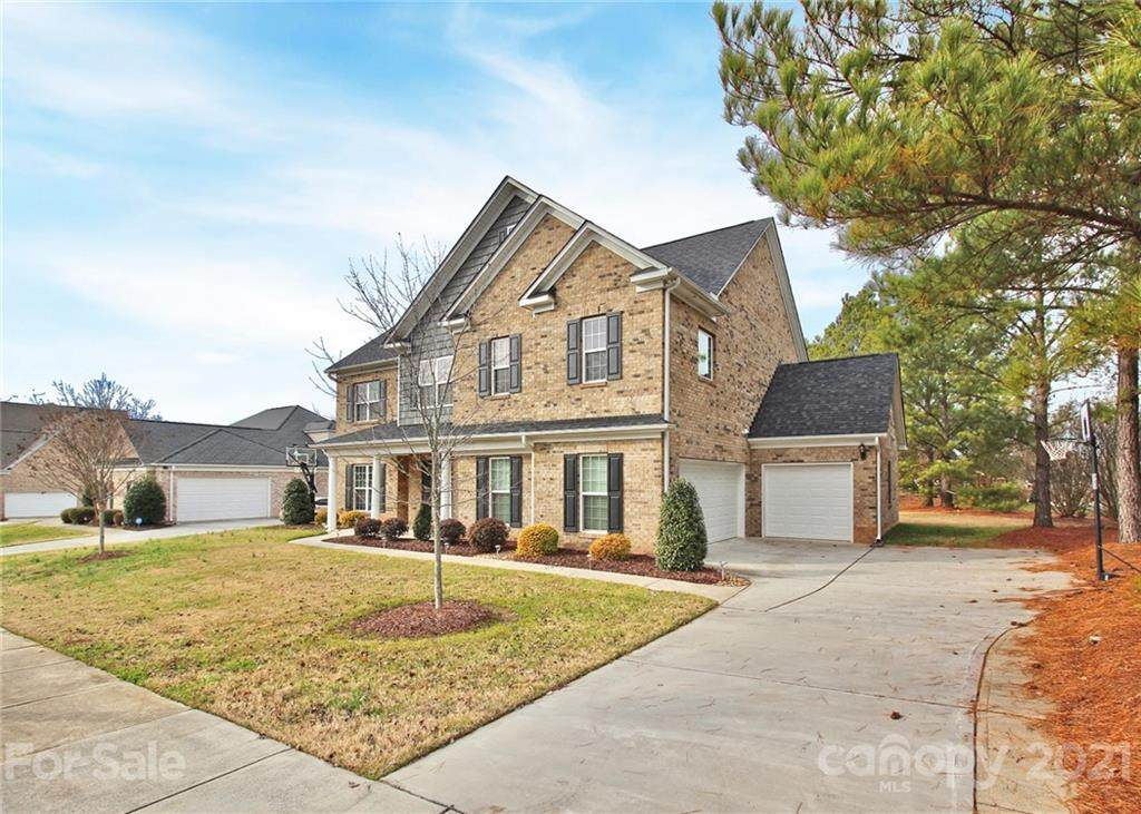 4304 Abernathy Place, Harrisburg, NC 28075 (#3574413) :: The Sarver Group