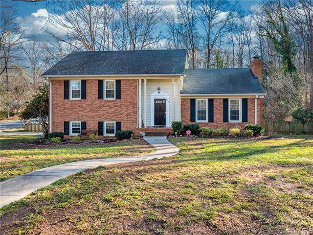 910 Longbow Road, Charlotte, NC 28211 (#3574424) :: Rinehart Realty