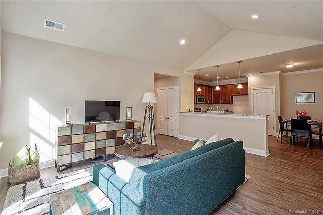 5844 Bradford Lake Lane, Charlotte, NC 28269 (#3574639) :: Homes with Keeley | RE/MAX Executive