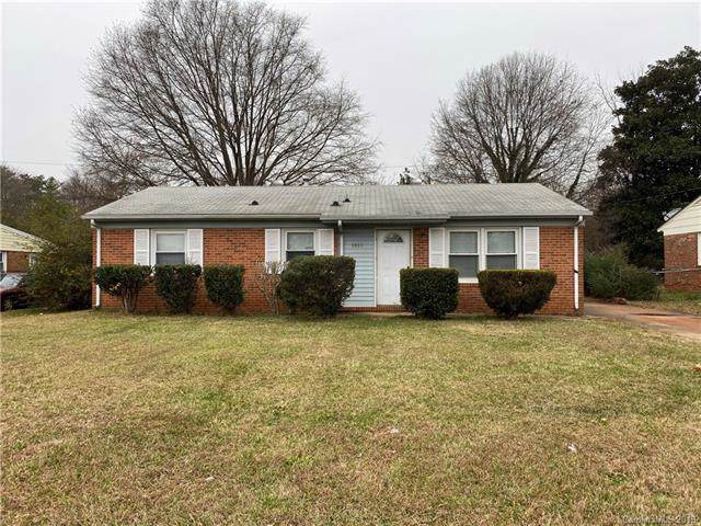 3801 Bardot Drive, Charlotte, NC 28216 (#3574648) :: Homes Charlotte