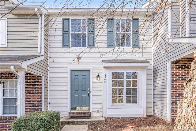 5965 Cougar Lane, Charlotte, NC 28269 (#3575293) :: Roby Realty