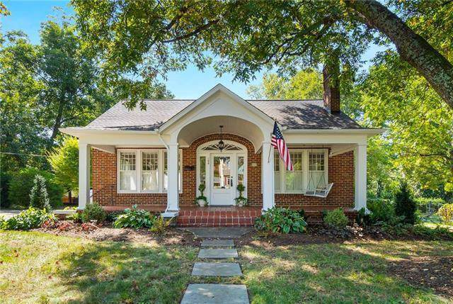 108 8th Avenue NE, Hickory, NC 28601 (#3575880) :: Stephen Cooley Real Estate Group