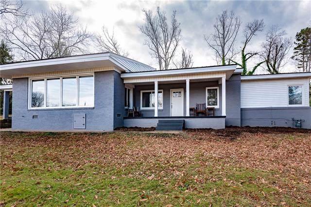 104 31st Avenue NE, Hickory, NC 28601 (#3576707) :: Exit Realty Vistas