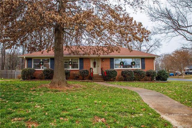 3027 Plentywood Drive, Matthews, NC 28105 (#3576715) :: Mossy Oak Properties Land and Luxury