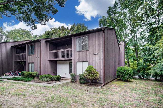 6606 Point Comfort Lane, Charlotte, NC 28226 (#3577055) :: Rowena Patton's All-Star Powerhouse