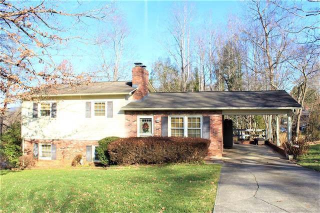 818 Woodbine Place NE, Lenoir, NC 28645 (#3577495) :: Homes Charlotte