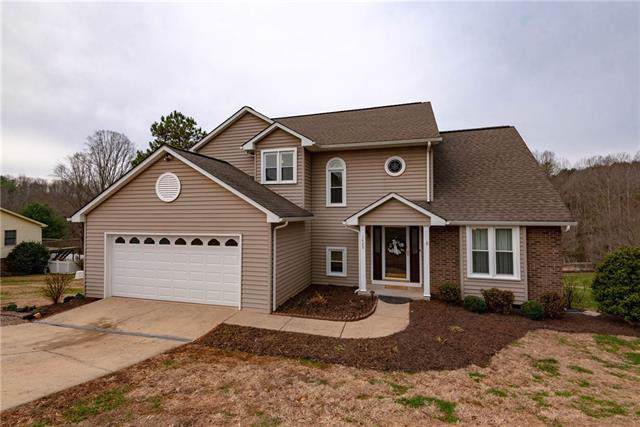 1409 Shirebourn Road, Hickory, NC 28602 (#3577712) :: Caulder Realty and Land Co.