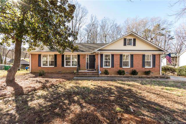 7614 Surreywood Place, Charlotte, NC 28270 (#3578267) :: Keller Williams South Park
