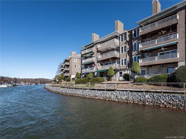 7340 Lakefront Drive #3, Charlotte, NC 28278 (#3578448) :: LePage Johnson Realty Group, LLC