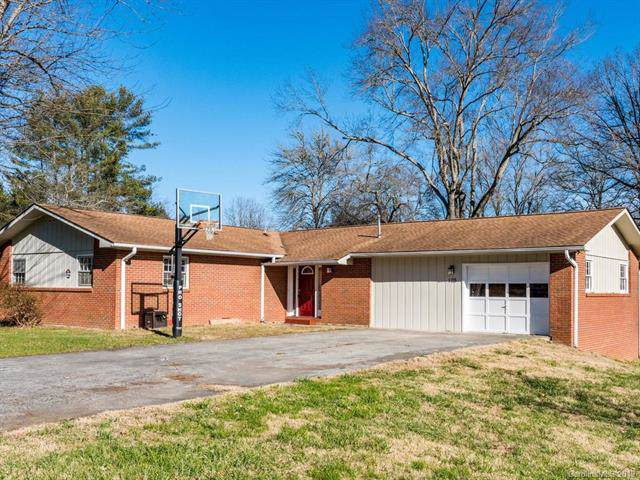 105 N Greenwood Forest Drive, Etowah, NC 28729 (#3578505) :: BluAxis Realty