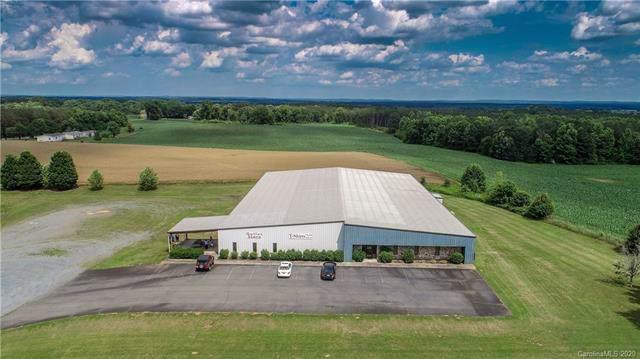 9464 Us Highway 52 Highway N, Wadesboro, NC 28007 (#3578564) :: Johnson Property Group - Keller Williams