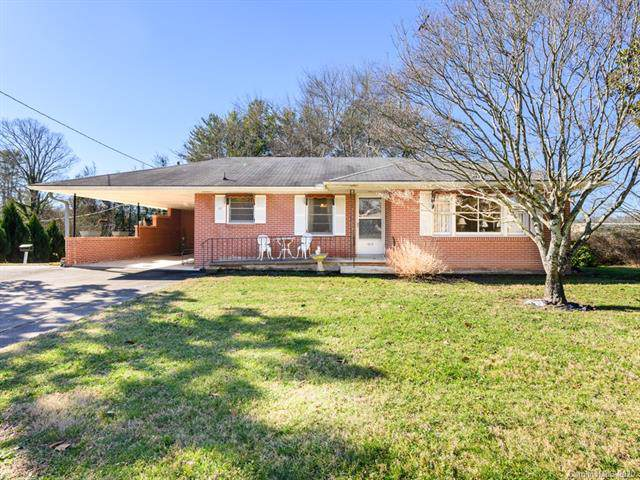 1517 Old Spartanburg Road, Hendersonville, NC 28792 (#3578780) :: LePage Johnson Realty Group, LLC