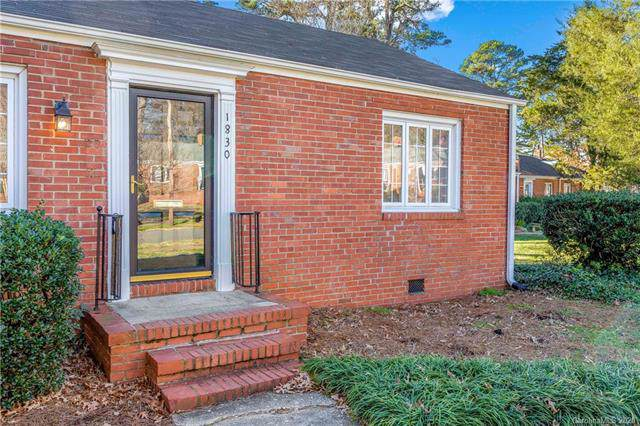 1830 Jameston Drive, Charlotte, NC 28209 (#3579923) :: Roby Realty