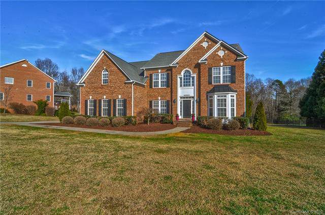 10002 Arlington Oaks Drive, Charlotte, NC 28227 (#3580147) :: Stephen Cooley Real Estate Group