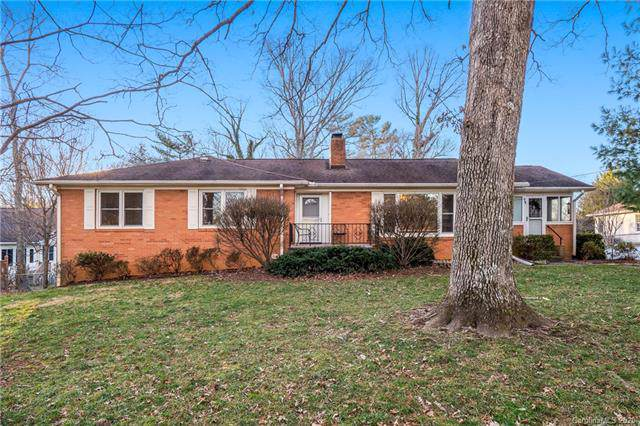 104 Nell Avenue, Hendersonville, NC 28791 (#3580260) :: Keller Williams Professionals