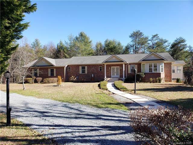3004 Sourwood Trail, Hendersonville, NC 28739 (#3580304) :: LePage Johnson Realty Group, LLC