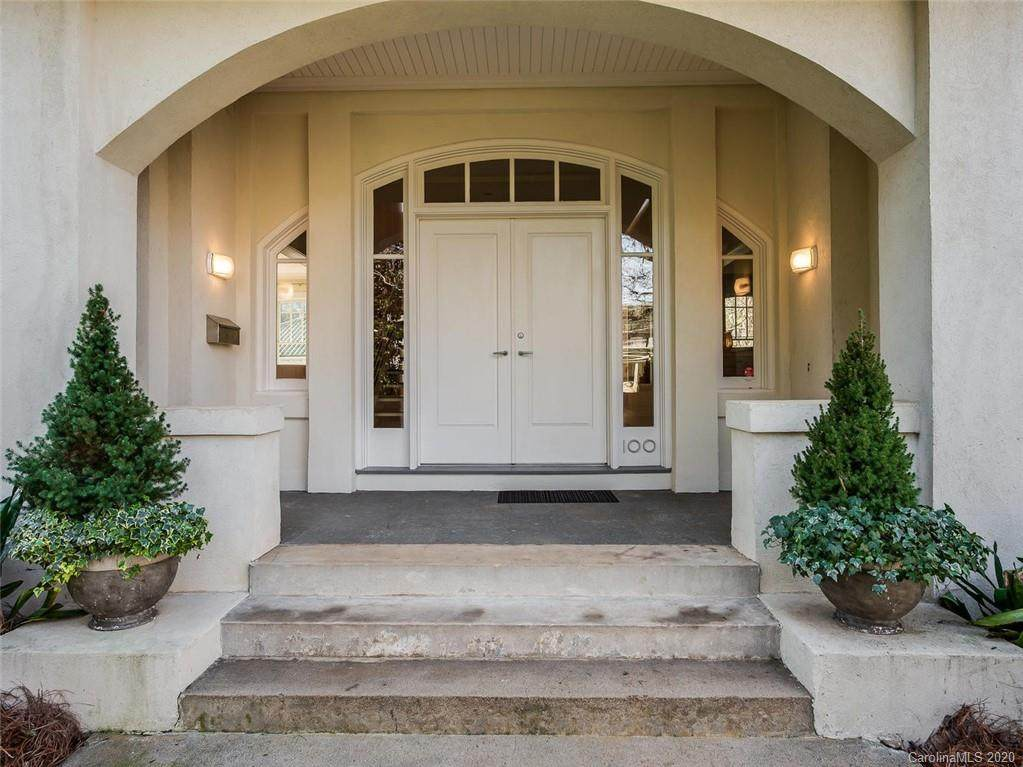 100 Hermitage Road, Charlotte, NC 28207 (#3580657) :: Stephen Cooley Real Estate Group
