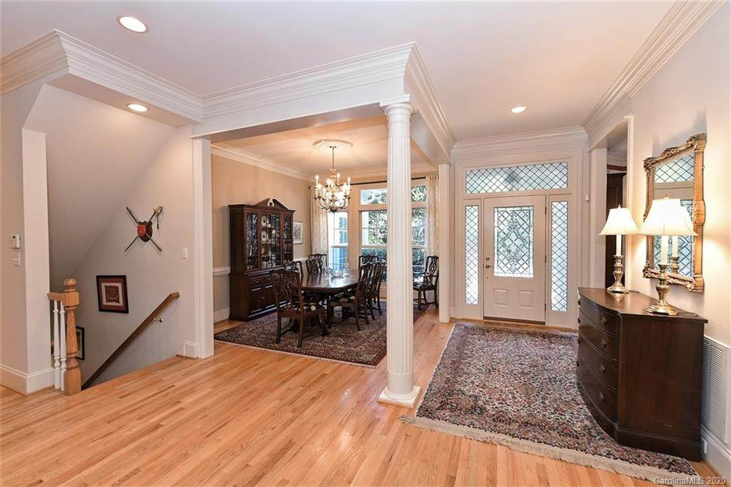 4204 Waterford Drive, Charlotte, NC 28226 (#3581003) :: MartinGroup Properties