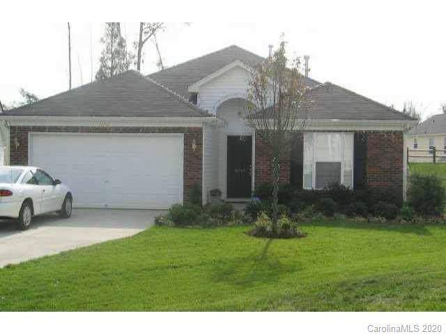 10705 Wading Lane, Charlotte, NC 28215 (#3581201) :: MartinGroup Properties