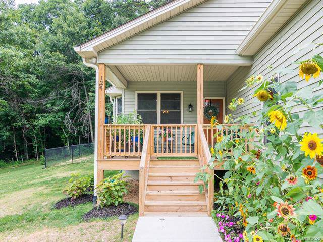 124 Clay Street, Fairview, NC 28730 (#3581720) :: Homes Charlotte