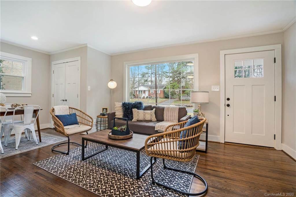 2609 Dora Drive, Charlotte, NC 28215 (#3581775) :: Stephen Cooley Real Estate Group