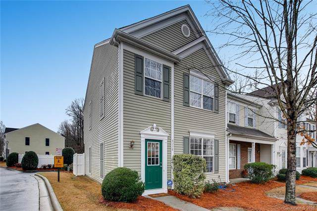 8338 Gossomer Bay Drive, Charlotte, NC 28270 (#3581776) :: Carlyle Properties