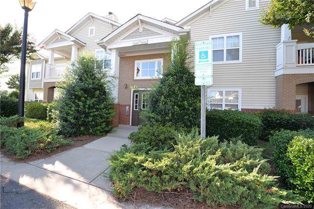 16915 Doe Valley Court, Cornelius, NC 28031 (#3581897) :: SearchCharlotte.com