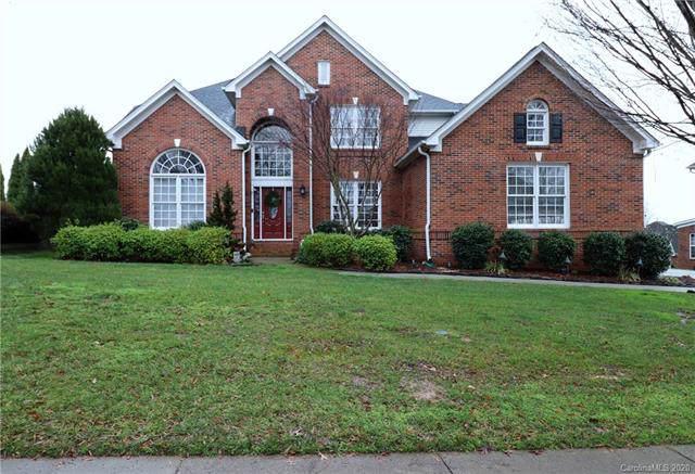 9910 Hillspring Drive, Huntersville, NC 28078 (#3581942) :: Team Honeycutt