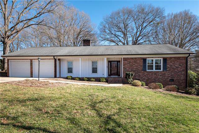 736 10th Street Drive NW, Hickory, NC 28601 (#3581984) :: Stephen Cooley Real Estate Group