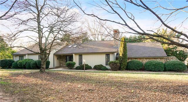 3425 North Center Street, Hickory, NC 28601 (#3582971) :: Exit Realty Vistas