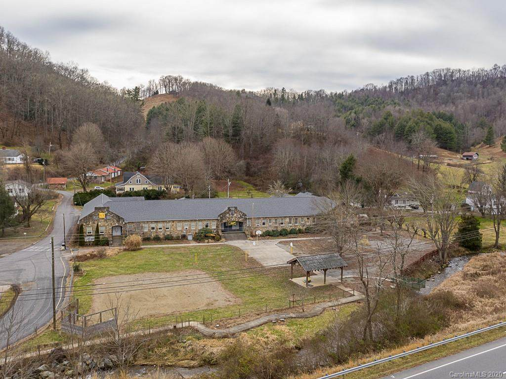 100 Bald Creek School Road, Burnsville, NC 28714 (#3583304) :: Rowena Patton's All-Star Powerhouse