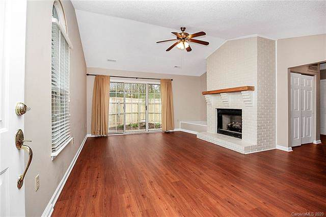 1555 Hunt Club Court #1555, Rock Hill, SC 29732 (#3583377) :: Stephen Cooley Real Estate Group