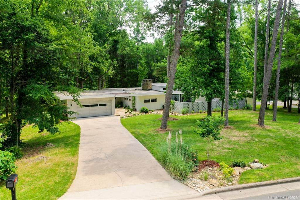 615 Coble Avenue, Albemarle, NC 28001 (#3583409) :: Rowena Patton's All-Star Powerhouse