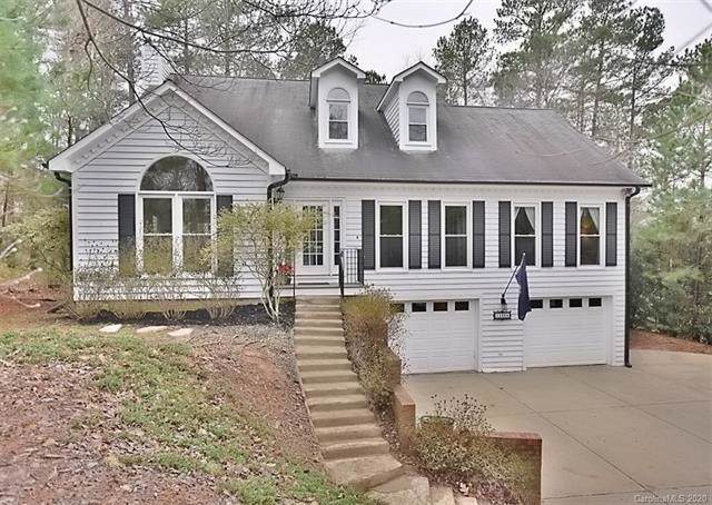 11068 Deep Cove Drive, Tega Cay, SC 29708 (#3583410) :: Carlyle Properties