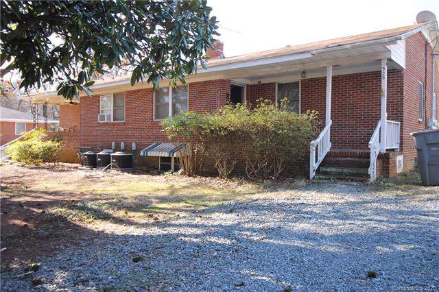 925 Parker Street, Charlotte, NC 28216 (#3583825) :: Carlyle Properties