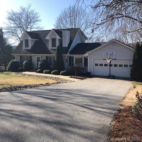 120 Mountain Valley Drive, Hendersonville, NC 28739 (#3584312) :: Keller Williams Professionals