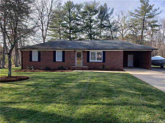 145 Polly Drive, Statesville, NC 28625 (#3584870) :: Keller Williams South Park