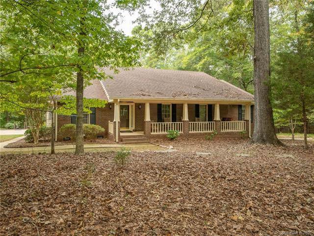 1216 Farm Creek Road, Waxhaw, NC 28173 (#3585125) :: Homes Charlotte