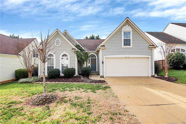 9310 Shepparton Drive, Huntersville, NC 28078 (#3585602) :: Stephen Cooley Real Estate Group
