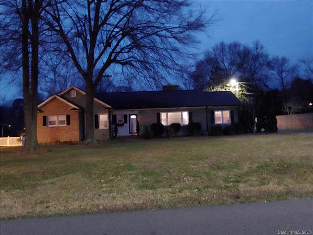 1011 Fairfield Drive, Gastonia, NC 28054 (#3585684) :: Cloninger Properties
