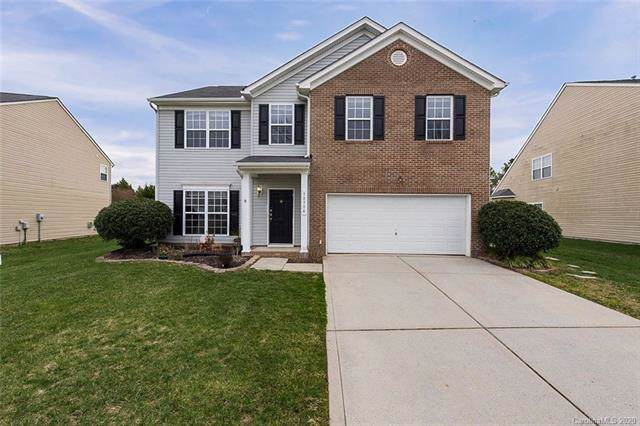 13736 Krislyn Woods Place, Charlotte, NC 28278 (#3585705) :: Rinehart Realty