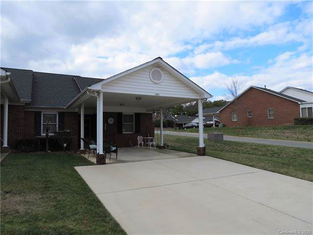 19909 Oak Leaf Circle, Cornelius, NC 28031 (#3585823) :: Mossy Oak Properties Land and Luxury